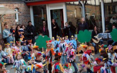 Frühlingsfest im Hof Raaf begeistert Eltern, Großeltern und Besucher